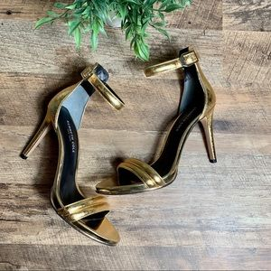 GOLD Snakeskin Heels by Kenneth Cole  Size 9